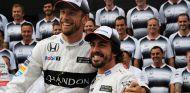 Jenson Button y Fernando Alonso en Suzuka - SoyMotor.com
