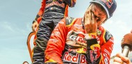 Nasser Al-Attiyah llora tras ganar el Dakar 2019 - SoyMotor.com