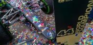 El Mercedes de Hamilton con confeti - SoyMotor.com