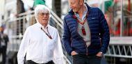 Bernie Ecclestone junto a Donald McKenzie - LaF1