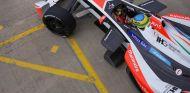 Bruno Senna con el monoplaza del equipo Mahindra, operado por Campos Racing - LaF1