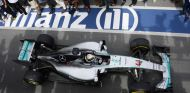 Lewis Hamilton llegando al pit lane tras imponerse en Canadá - LaF1