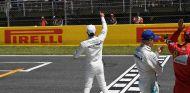 Lewis Hamilton en la recta principal de Montmeló - SoyMotor