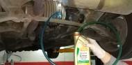 Cambia aceite caja de cambios y diferencial tu mismo - Soymotor.com
