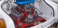 El motor V8 típico de los Tatra iba montado por detrás del eje trasero - SoyMotor.com
