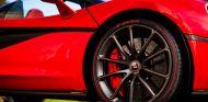 Neumático Pirelli P Zero en un McLaren - SoyMotor.com