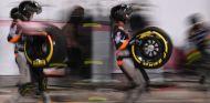 Mecánicos de Force India en Baréin - SoyMotor