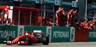 Sebastian Vettel toma la victoria en Malasia ante la euforia de Ferrari - LaF1