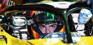 Carlos Sainz en el Renault RS18 - SoyMotor