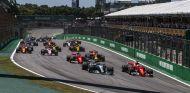 Salida del Gran Premio de Brasil 2017 - SoyMotor.com