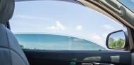 Si se circula a menos de 75 kilómetros/hora, es mejor bajar las ventanillas - SoyMotor.com
