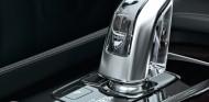 En el acabado tope de gama, Volvo ofrece este pomo de cristal fabricado artesanalmente - SoyMotor.com