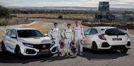 Márquez, Pedrosa y Bou prueban el Honda Civic Type R en el Jarama - SoyMotor.com