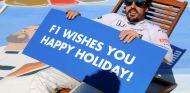 Fernando Alonso, deseando felices vacaciones a todo aficionado a la F1 - SoyMotor.com