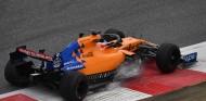 FOTOS: Alonso prueba el McLaren en el test de Pirelli de Baréin - SoyMotor.com