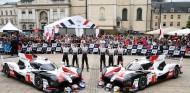 FOTOS: baño de masas de Alonso en las verificaciones de Le Mans - SoyMotor.com