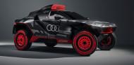 El juguete de Sainz para el Dakar 2022: Audi RS Q e-tron - SoyMotor.com