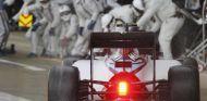 Valtteri Bottas llegando a boxes - LaF1