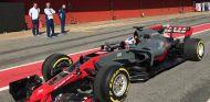 El Haas VF17 en el Circuit de Barcelona-Catalunya - SoyMotor