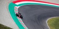 FOTOS: La decoración especial de Ferrari por su GP número 1.000