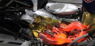 Motor Renault al descubierto en el RB9 de Red Bull - SoyMotor.com