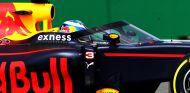 Red Bull estrena su cúpula en los Libres 1 de Rusia