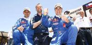 Carlos Sainz celebra su victoria en el Dakar 2010 - SoyMotor.com