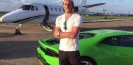 Gareth Bale presume de Lamborghini Huracán y de avión privado, de paso - SoyMotor