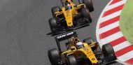Los dos Renault en el GP de España - LaF1