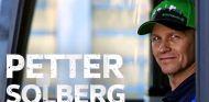 Petter Solberg se ha convertido por un día en chófer del autobús del VfL Wolfsburgo - SoyMotor