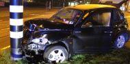 Así quedó el taxi que utilizaba Sergio Agüero tras impactar contra un poste - SoyMotor