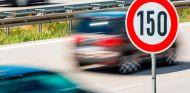 Francia quiere limitar la velocidad máxima a 150 kilómetros/hora en algunos tramos de autopista - SoyMotor.com