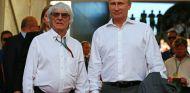 Vladimir Putin junto a Bernie Ecclestone - LaF1