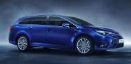 El Toyota Avensis renovó su diseño en 2015 para modernizar su figura - SoyMotor