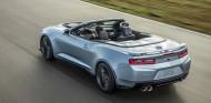 La versión descapotada del Chevrolet Camaro ZL1 promete emociones fuertes - SoyMotor