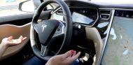El sistema Autopilot 2.0 se ha converitdo en un dolor de cabeza para Tesla - SoyMotor