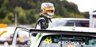 WTCR: Mikel Azcona, a pie de podio en Nürburgring - SoyMotor.com