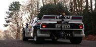 Con el árbol de Navidad ya colocado, es el momento de volver a casa con el Lancia 037 Grupo B - SoyMotor