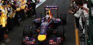 Daniel Ricciardo regresa al Pit Lane tras terminar segundo en el Albert Park - LaF1