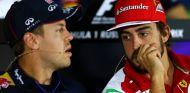 Sebastian Vettel y Fernando Alonso durante la rueda de prensa de hoy - LaF1