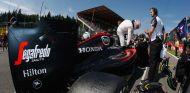 Button aconseja a Honda a centrarse en el rendimiento antes que en la fiabilidad - LaF1