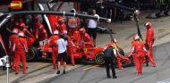 Kimi Räikkönen abandona en España - SoyMotor.com