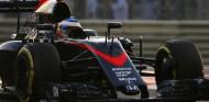 """Abiteboul: """"Alonso puede pilotar cualquier cosa con cuatro ruedas, o incluso tres ruedas"""" - SoyMotor.com"""