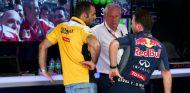 Cyril Abiteboul, Helmut Marko y Christian Horner en Sepang - LaF1