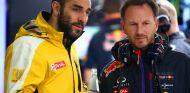 Cyril Abiteboul charla con Horner - LaF1.es