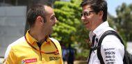 Cyril Abiteboul y Toto Wolff en Sepang - SoyMotor.com