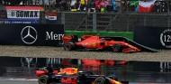 Verstappen pasa a Leclerc tras su accidente en el GP de Alemania F1 2019 - SoyMotor.com