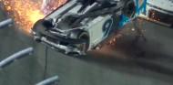 Denny Hamlin gana unas 500 Millas de Daytona con final accidentado - SoyMotor.com