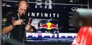 Adrian Newey en el box de Red Bull - LaF1