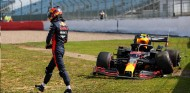 """Villeneuve carga contra Albon: """"Es el peor segundo piloto de Red Bull"""" - SoyMotor.com"""
